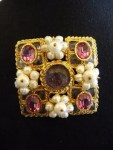 chanel oranate gripoix brooch (1)